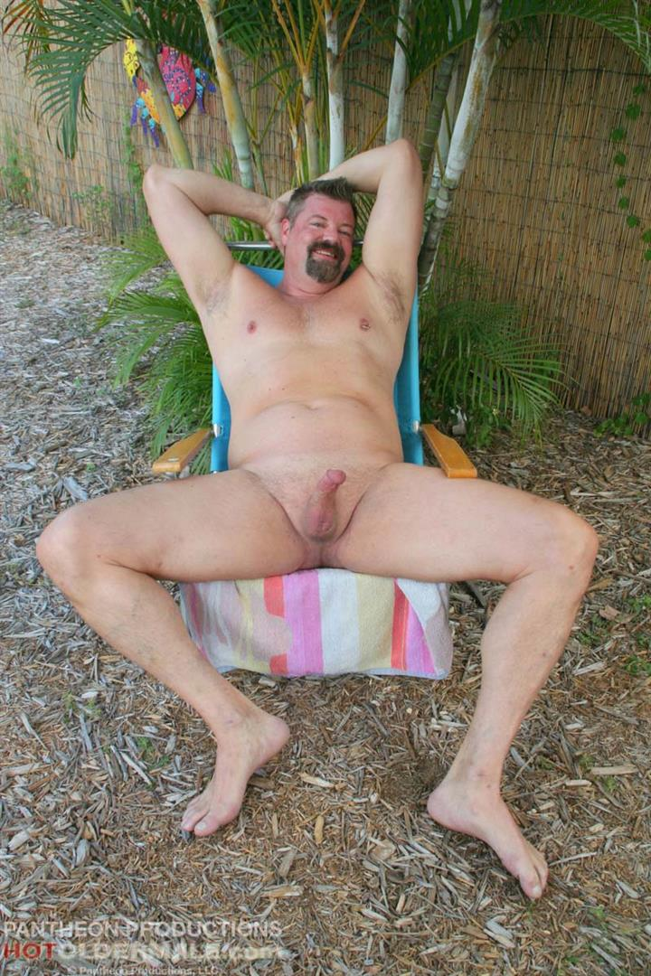 Hot-Older-Male-Mitch-Davis-Beefy-Chubby-Smooth-Daddy-Jerking-His-Thick-Cock-Amateur-Gay-Porn-01.jpg