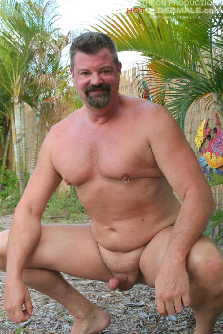 Hot-Older-Male-Mitch-Davis-Beefy-Chubby-Smooth-Daddy-Jerking-His-Thick-Cock-Amateur-Gay-Porn-04 Beefy Smooth Daddy With A Thick Cock Jerking Off