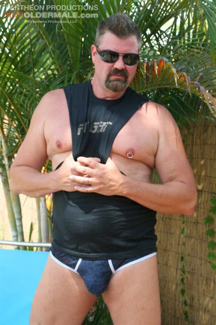 Hot-Older-Male-Mitch-Davis-Beefy-Chubby-Smooth-Daddy-Jerking-His-Thick-Cock-Amateur-Gay-Porn-07 Beefy Smooth Daddy With A Thick Cock Jerking Off