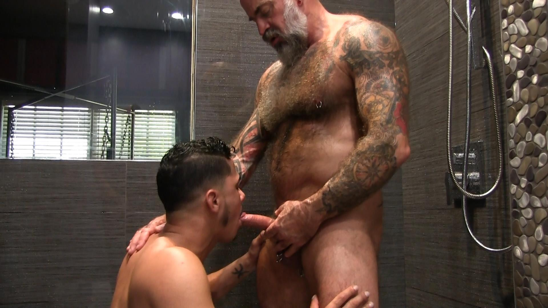 Victor-Cody-XXX-Nate-Pierce-and-Cesar-Xes-Bareback-Bathhouse-Sex-18 Getting Fucked By A Hairy Daddy In The Bathhouse Shower